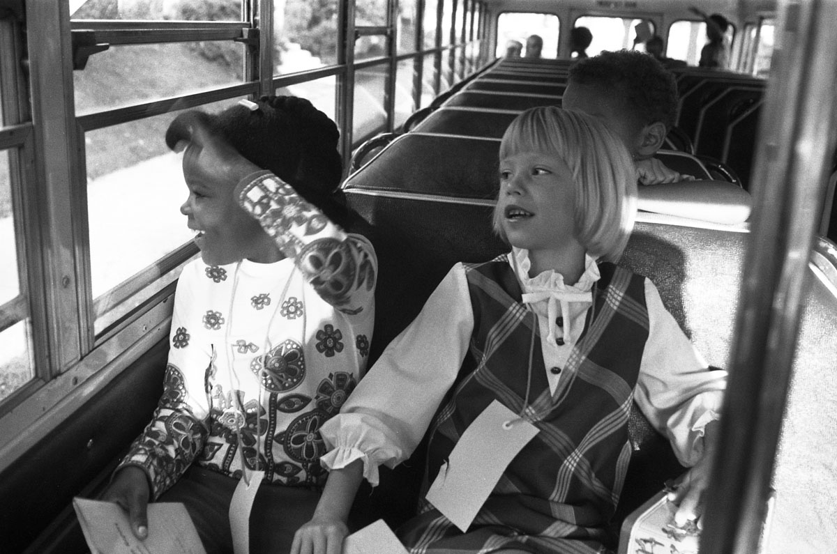 09t girls on bus 9-2-71