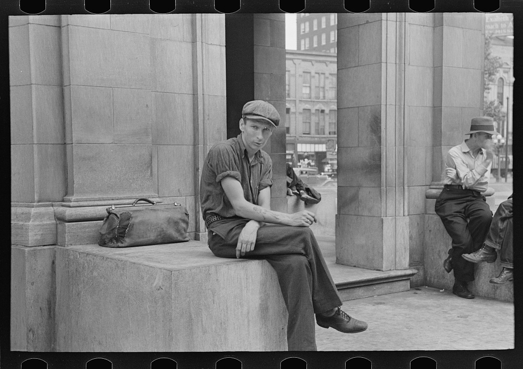 8a22072v, harvest worker in the gateway district, russell lee, LOC